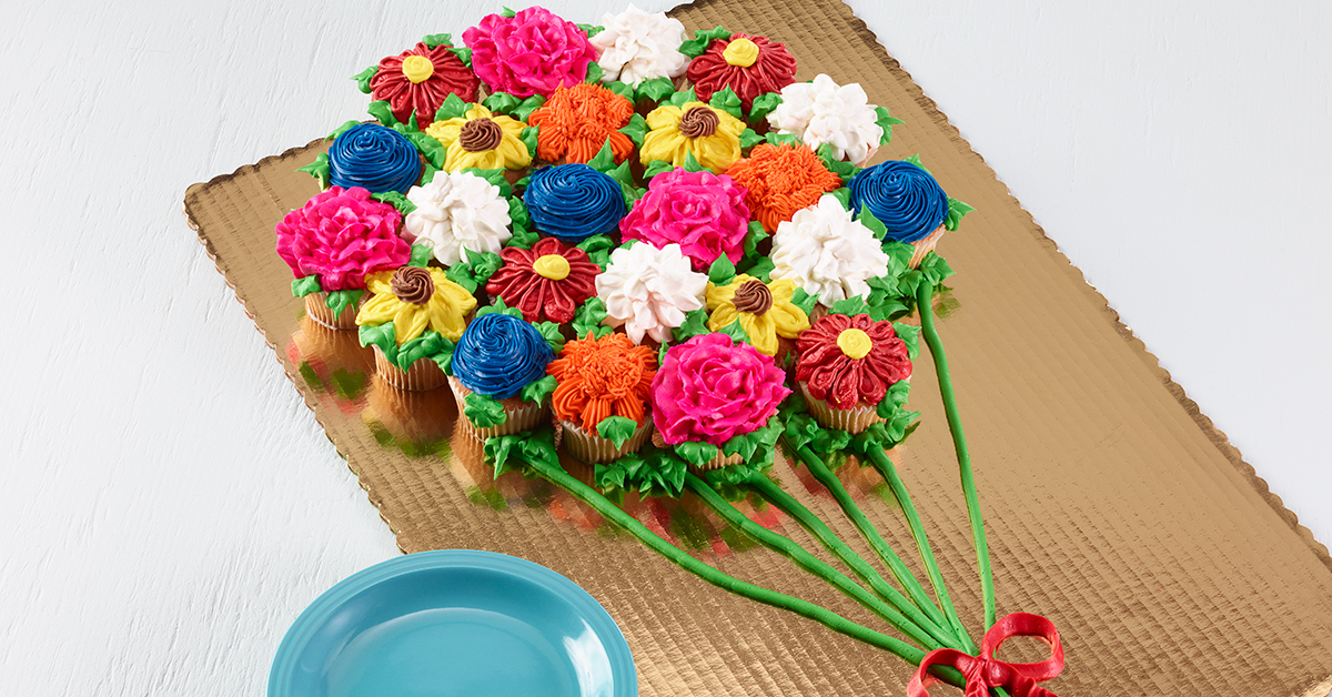 Beautiful Cupcake pull-apart cakes will wow your guests from D&W Fresh Market