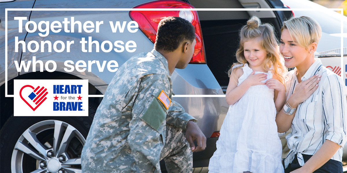 mother and daughter thanking soldier